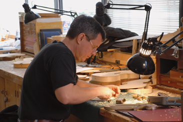How Violins are made &#8211; Video