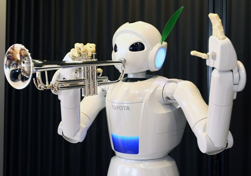 Robots show off musical skills