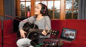Focusrite all-in-one home studio kit out now!