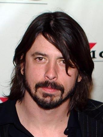 "Dave Grohl tells the Grammys ""learn to play an instrument!"""