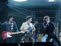 Photo of Ron WOOD and Ronnie WOOD and ROLLING STONES and Mick JAGGER and Keith RICHARDS