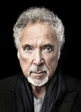 Tom Jones granted coat of arms