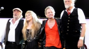 Fleetwood Mac set to reunite