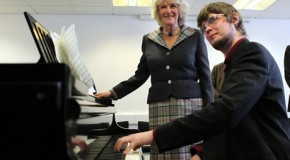 Music student overcomes paralysis to play the piano